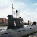 U 434 - diente einst der russischen Marine zur Spionage und liegt jetzt als Museumsschiff am St. Pauli Fischmarkt