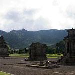 Arjuna Tempelkomplex auf dem Dieng Plateau