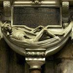 надгробие Жана де Саше