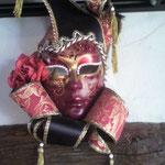 ちなみにこれは最近出かけたイタリアで購入したミラノのカーニバルの仮面です。