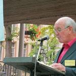 Werner Börsting trägt die Lesung vor