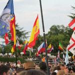 Jugendliche aus nahezu 70 Ländern der Erde sind auf dem Jugendfestival,