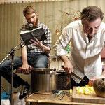 Benjamin Maack & Stevan Paul (24-Stunden-Lesung, März 2012), Foto: Hamburger Abendblatt