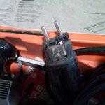 gebrochener Stecker einer Hand-Hobelmaschine