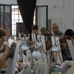 Gli studenti iniziano i dipinti