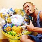 すっごく可愛くて素敵なバルーンの花束♪中学からの仲間、アキ、サカちゃん、リョウコちゃんが、BASICスタートのお祝いにスタジオに郵送してくれたんだ!♪
