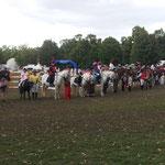 mit Führzügelklasse mit Kostüm wie Reiter und Pferd