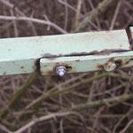 ...und defekte Verschraubungen des Geländers werden neu gemacht.