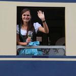 Vereinsmitglied Jennifer War als Zugbegleiterin für den Verein unterwegs.