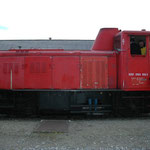 Zugfahrzeug ist die 2062.053 der FROWOS.