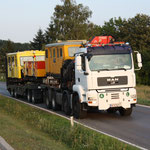 10. August 2012, 19:20 Uhr: Der Spezial-LKW verlässt Mistelbach Richtung Asparn an der Zaya.