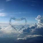 Wolkenformation zu Valentinstag