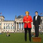 Frau Merkel begrüßt Gäste (Satire)