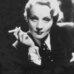 Marlene Dietrich - Sag mir, wo die Blumen sind