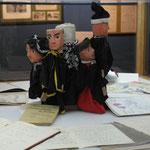 marionnettes à gaine et cahiers de chansons