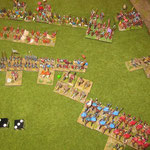 Wir sind schon im Spiel, die leichten Reiter wichen einer Attacke der moslemischen schweren Reiter aus und mußten die Waräger durchdringen, die daraufhin wankten. Die Entfernung zur feindlichen Linie ist aber noch weit, so dass keine Beunruhigung aufkam.