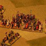 Die Spahis überflügeln die Ritter, hinter ihrem Rücken fliehen die Janitscharen vorbei.