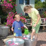 Auch Kinder können bei uns am Schneiderhof kneippen