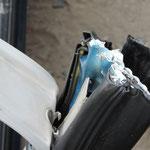 Teile wie der Gurtversteller können nicht geschnitten werden. Diese Teile müssen vorher durch eine ausgibige Lageerkundung ausfindig gemacht und in die Maßnahmenplanung einbezogen werden.