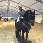 Alexandra Buschmann und ihr Caruso vor dem Auftritt bei der Apropos Pferd 2016 - sehr spacig!