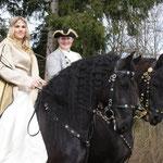 Tanja mit Ielke und Sigi mit Tymen anlässlich ihres Auftrittes auf einer wunderbaren Burg - ein tolles 4er Gespann