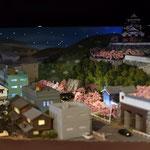 D3:路面電車が走る城下町(夜景)正面から