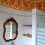 salle de bain ronde dans une tour