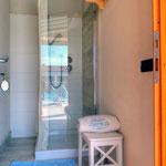 """Bagno Brunella e Ada beach - Le Cabine con doccia<br>Foto realizzata da <a href=""""http://www.fabiofagiolini.eu"""" target=""""_blank"""">Fabio Fagiolini</a>"""