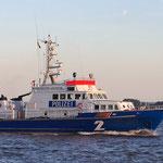 """Polizeiboot """"Bürgermeister Weichmann"""", Canon EOS 300D, Rikenon 1:1,4/55 mm"""