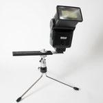 Ministativ zum entfesselten Blitzen bei Makroaufnahmen