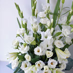 グラジオラス、トルコキキョウのお悔やみの花