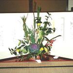 横浜・根岸にある旧柳下邸にてお正月のテーブルセッティングのフラワー装飾 その4