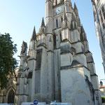 Eine Monsterkirche im irgendwo