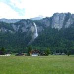 Ein Wasserfall irgendwo in der Mitte der Schweiz