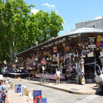 Les grand spectacles dan Avignon, Kleinkunstbühnen mit 1000 Aufführungen pro Tag 24 / 7 den ganzen Juli lang!