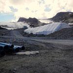 schneeanlagen bis in den gletscher hinein