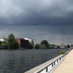 Unwetter über Stadt-Mitte