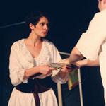 Teresa (Amélie Kraus) will sich an Marcolfa rächen, weil sie glaubt, dass Marcolfa ihren Giuseppe verhext hat.