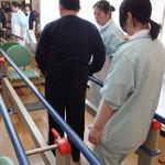 橋出血のYさん デイサービスにかよい、つかまり立位がだいぶ安定しました