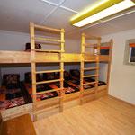 10 Bett-Zimmer