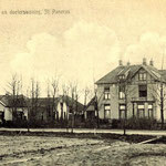 Het huis van docter Melchior, omstreeks 1915, met er naast de openbare lagere school.