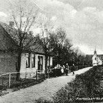 De kerkelaan omstreeks 1930.