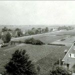 Foto vanaf de kerktoren genomen in de NO-richting, met zicht op de Twuyverweg. Vermoedelijk midden 20e eeuw.