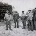 Rietsnijders in de West-Beverkoog bij het Rietbos. Tussen 1920 en 1930.