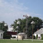 Vogelhäuser auf einer Amish Farm