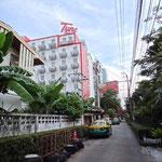 Hotel in einer ruhigen Seitenstrasse 'z'mitzt im Chueche'