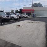 Parkplatz für Pferde-Buggies der Amis vor einem Supermarket