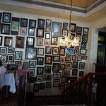 Pause im Café Batavia