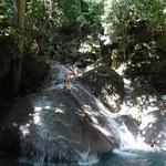Erawan Natioalpark mit wunderschönen Wasserfällen zum verweilen