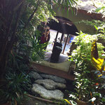Wunderschöner 'Hinterhof' eines Textilshops
